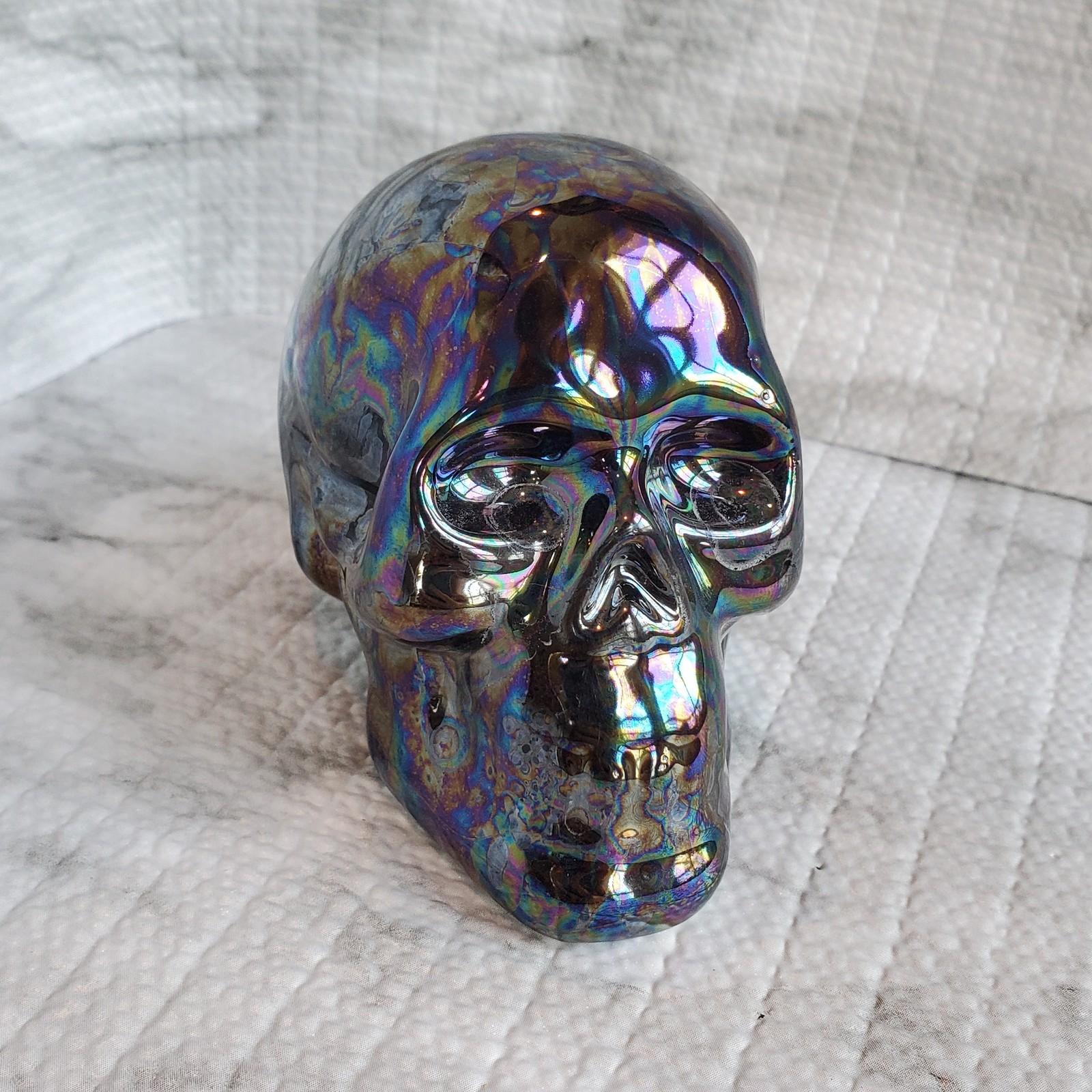 Skull iridescent 1