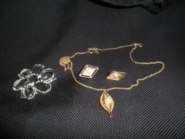Vintage Sarah Coventry Goldtone & Pearl Necklace & Earrings +silvertone ... - €6,72 EUR