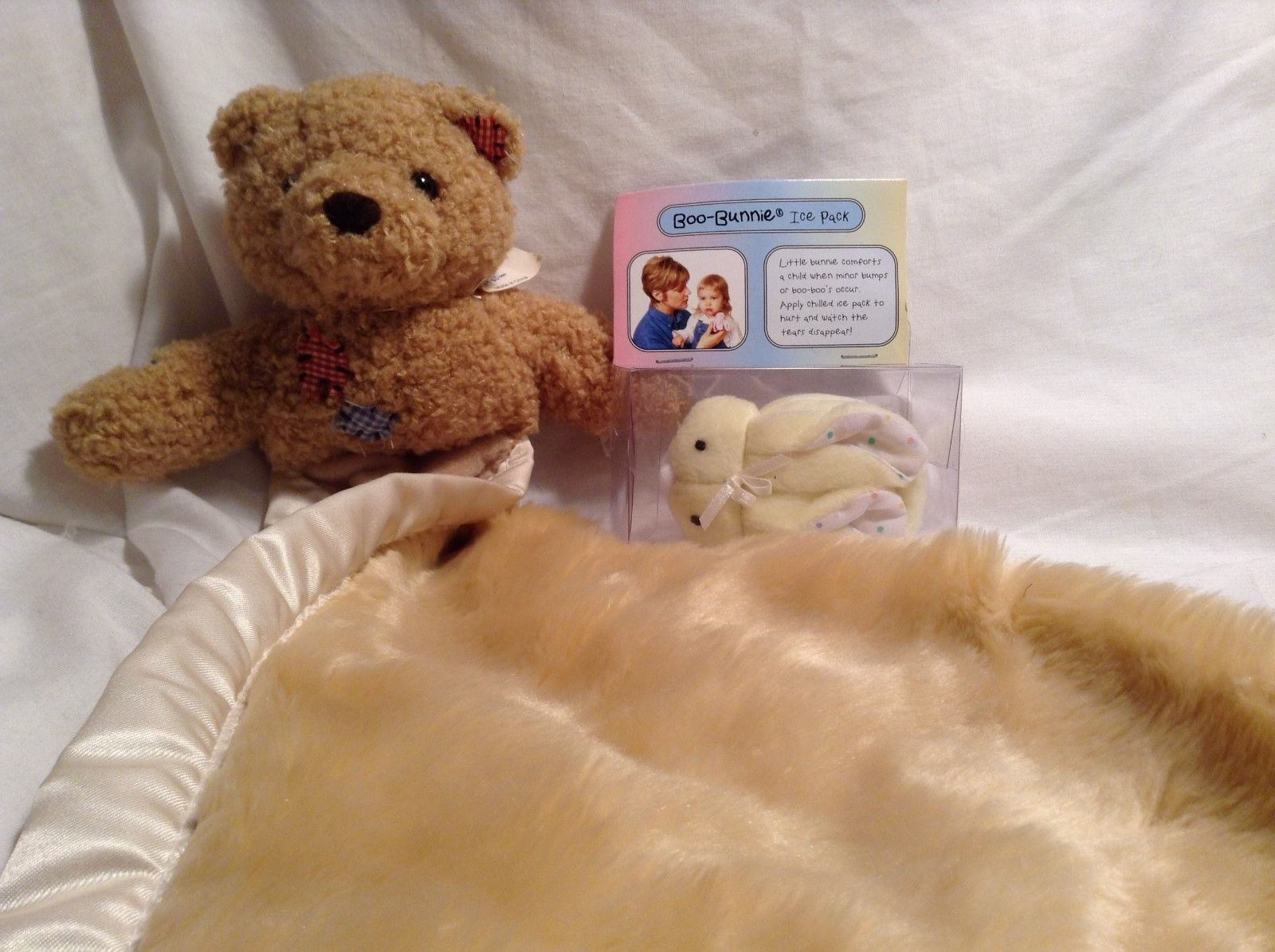 NEW Stephan Baby Two Pc Blanket and Boo-Bunnie Ice Pk Set