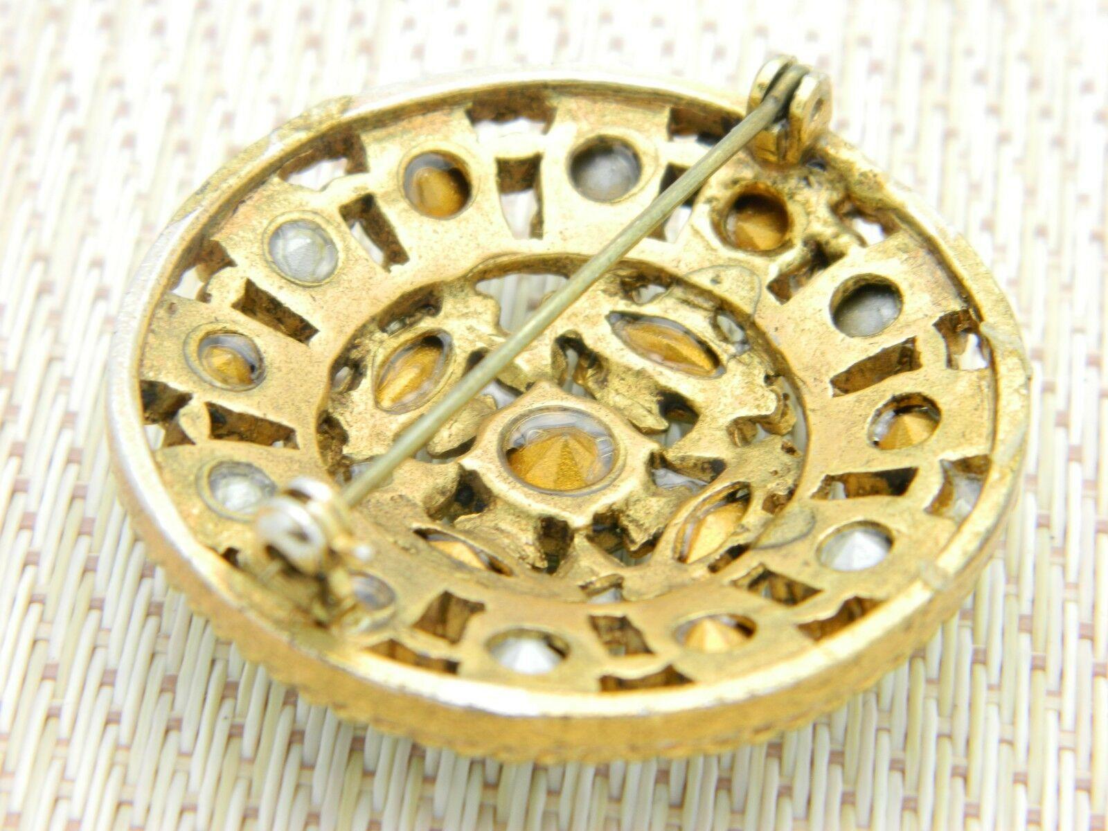 Green Aurora Borealis Rhinestone Medallion Gold Tone Vintage Brooch Pin image 4