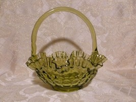 Green Glass Fenton Basket 1940-50s Very Pretty Ruffled Top Exceptional D... - $20.00