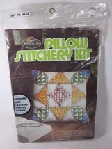 Fruit Of The Loom Oreiller Stitchery Kit Bleeding Hearts - $13.34 CAD