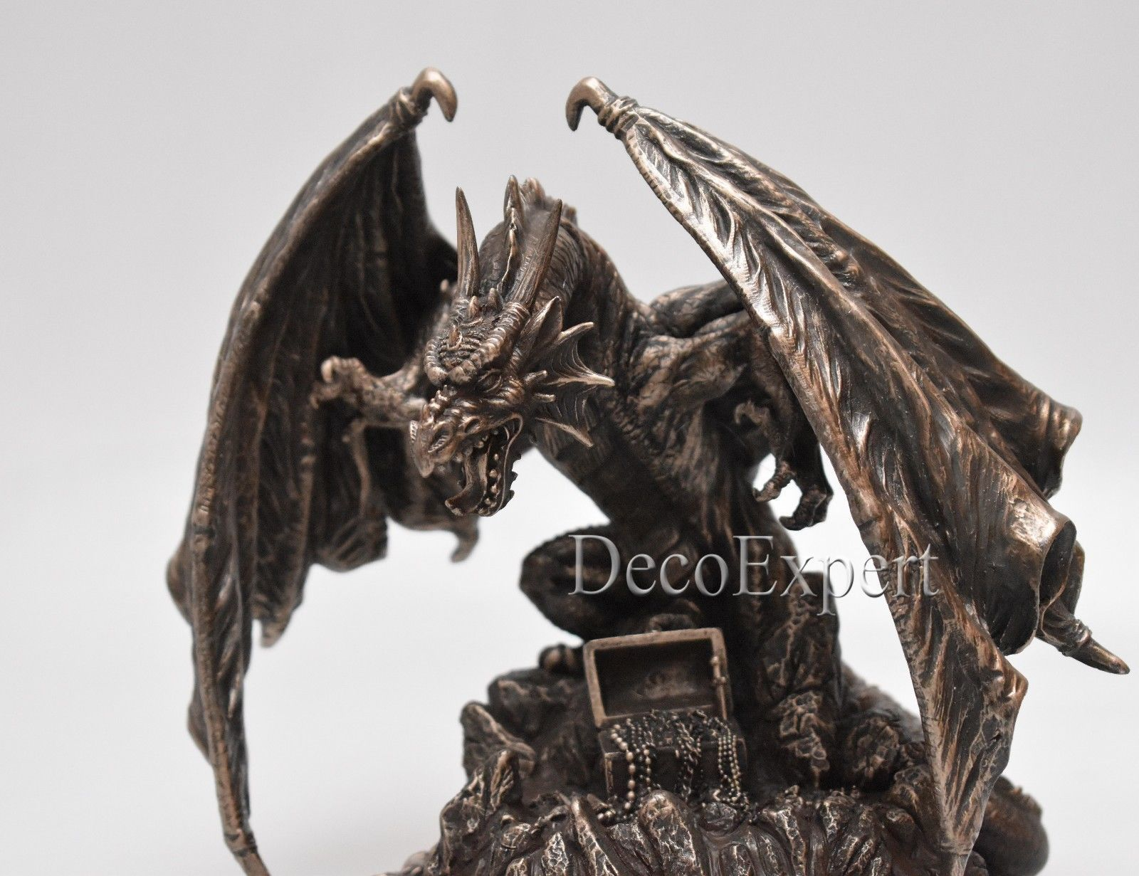 Dragon Guarding Treasure Game of Thrones * * * Free Shipping Everywhere