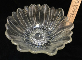 "Lily Pons Bowl Flower Floral Indiana Clear Glass Serving 7"" Sunflower Vintage - $10.88"