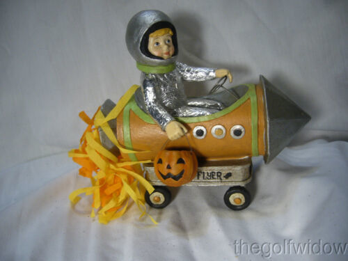 Bethany Lowe Halloween Little Rocket Boy Blast Off Figurine no. TD7641
