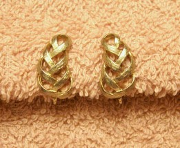 Avon Earrings Clip On Style Textured Weave Ribbon Swirl VTG 1980s Gold Tone - $12.85