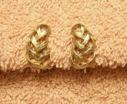 Avon Earrings Clip On Style Textured Weave Ribbon Swirl VTG 1980s Gold Tone - $12.85