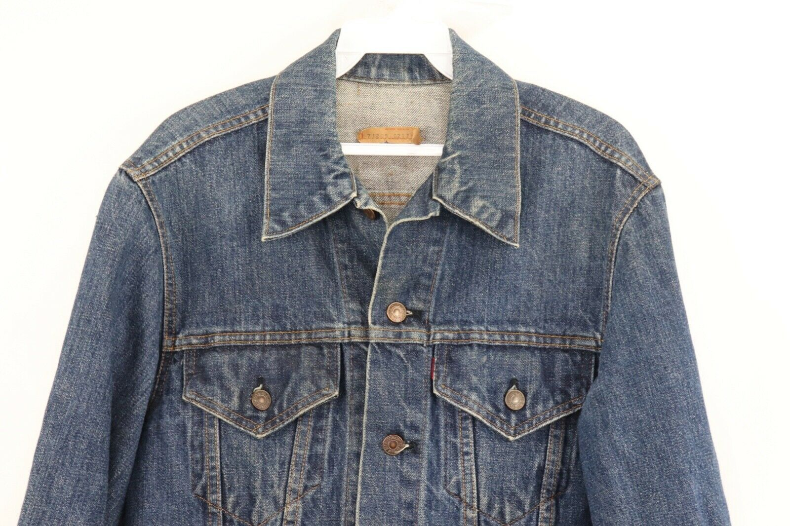Primary image for Vtg 80s Levis Mens Size 40L Distressed Full Button Denim Jean Trucker Jacket USA