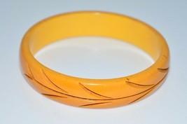 VTG Butterscotch Yellow BAKELITE TESTED Carved Leaf Bangle Bracelet - $198.00