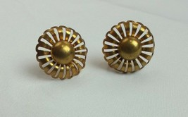 "VINTAGE GOLD TONE FLOWER SCREWBACK  Earrings BUTTON FASHION APPROX. 1"" (Q) - $7.02"