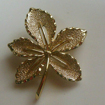 Vintage Sarah Coventry Gold Tone Leaf Brooch/Pin  - $16.82