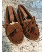 MINNETONKA  Womens Brown FEATHER Indian Leather Moccasins SlipPERS On 8 - $24.70