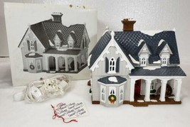 Dept 56 Snow Village GOTHIC FARMHOUSE American Architecture UNUSED 54046... - $37.99