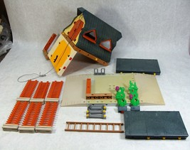 PLAYMOBIL BARN FARM #3072 PARTS AND ACCESSORIES  - $24.74