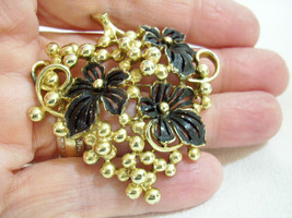 Vintage Sarah Coventry Gold Cluster Grape Black Enamel Leaves Brooch Pin... - $16.78
