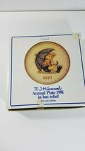 M.J. Hummel 1981 Annual Plate in Bas Relief, Eleventh Edition in box - $13.37