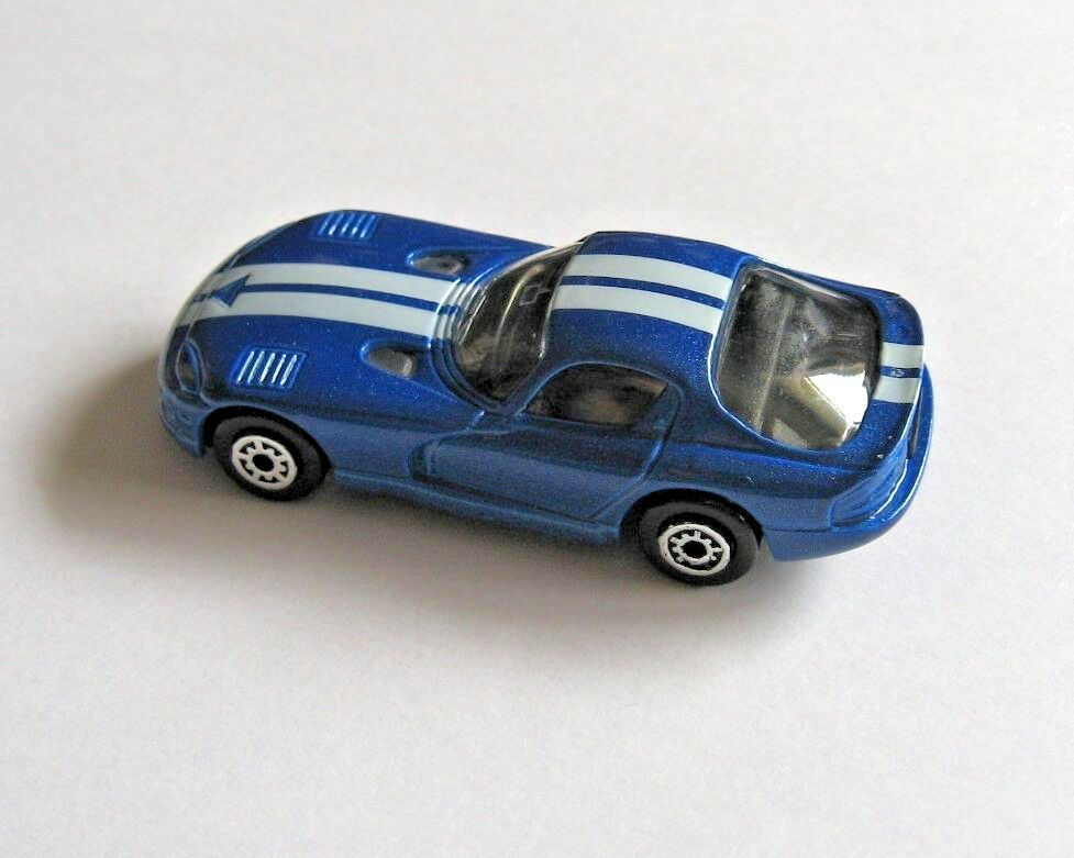 Dodge Viper GTS Coupe Daimler Chrysler Maisto Die Cast Metal Blue Supercar 1997