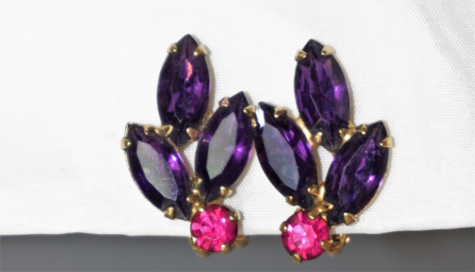 Primary image for Navette Lavender & Magenta  Signed Weiss Clip-On Earrings Vintage