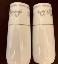 """VINTAGE Wade Fine Porcelain China Japan Salt & Pepper Shaker Set   4"""" x ... - $24.00"""