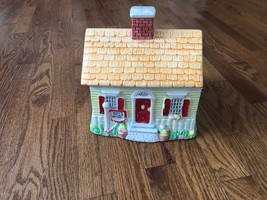 Limited Edition 1992 Nestle Toll House Cookie Jar - $9.49