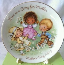 Mothers Day Gift Love is a Song for Mother Plate 1983 Avon New in Box w stand - $12.86