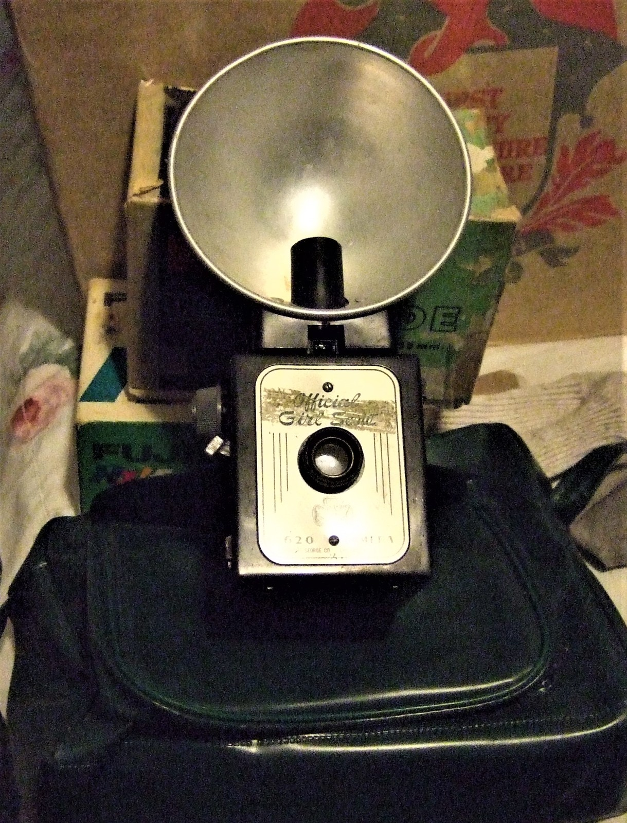 Camera - Vintage Official Girls Scout Camera 620