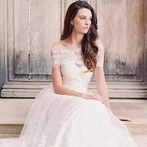 Elegant Tulle Off-the-shoulder Neckline A-line Wedding Dress 3D Lace Applique El image 4