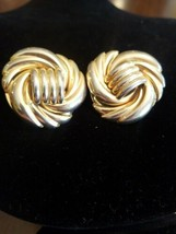 Vintage gold tone clip on earrings - $14.85