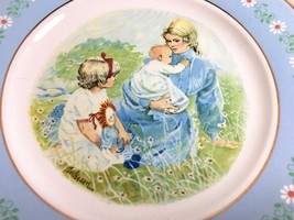 "1974 Avon ""Tenderness"" Collectors Plate in Original Box Beautiful Artwork - $3.29"