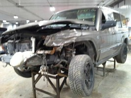 2006 Jeep Commander FRONT DRIVE SHAFT - $123.75
