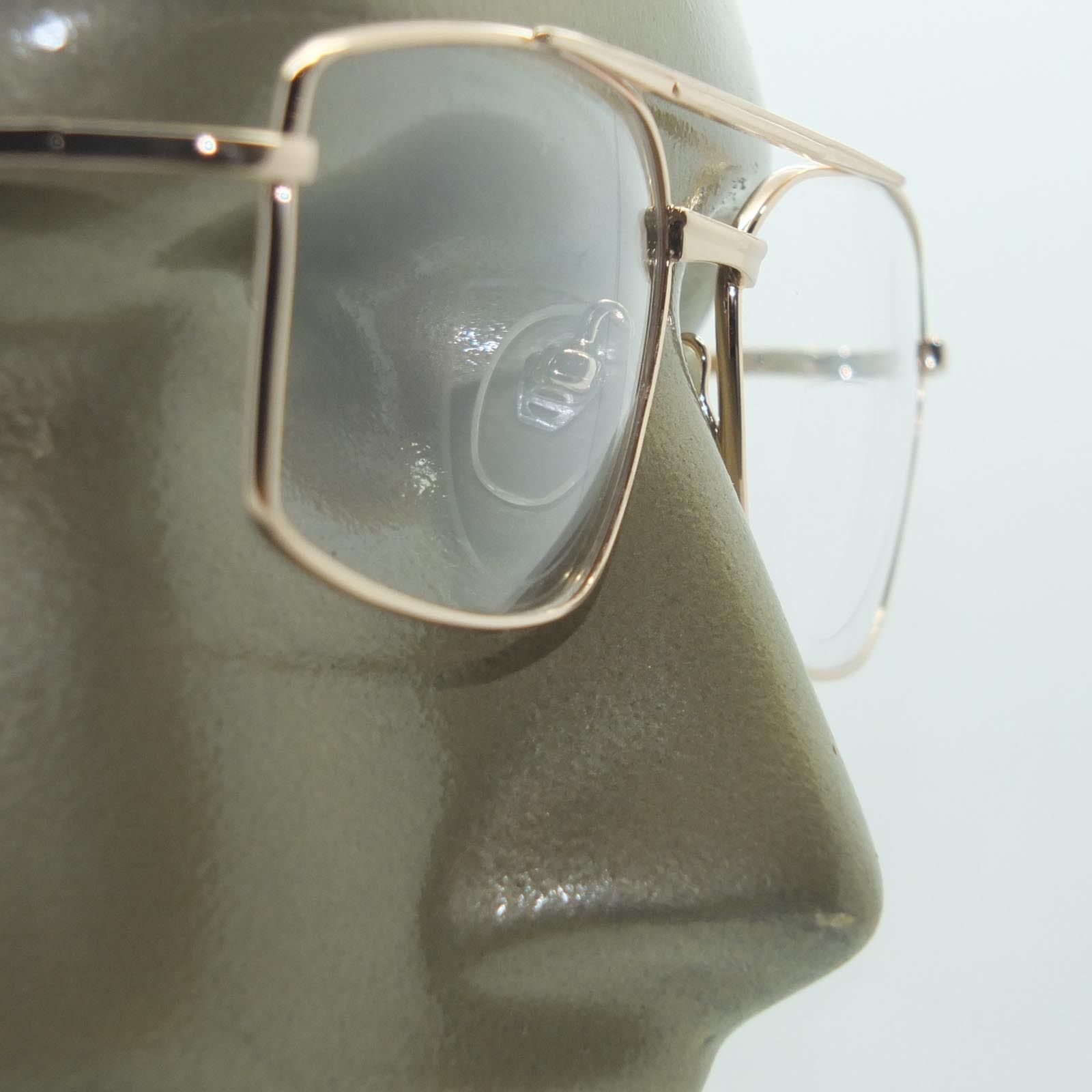 a7cd35f3f15 S l1600. S l1600. Bifocal Reading Glasses Square Aviator 80 s Style Gold Metal  Frame +2.00 Lens