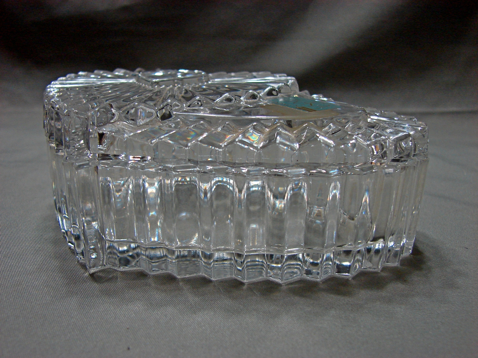 Mikasa Collectible Heart Shaped Glass Trinket Box / Jewelry Dish With Lid