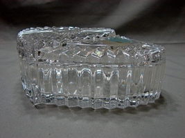 Mikasa Collectible Heart Shaped Glass Trinket Box / Jewelry Dish With Lid - $9.00