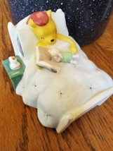 Disney Classic Winnie the Pooh Night Light In Bed Reading Book to Piglet - $25.99