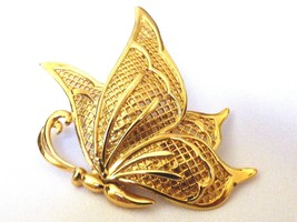 Gold tone metal MESH Filigree Figural Butterfly Brooch pin - $20.79