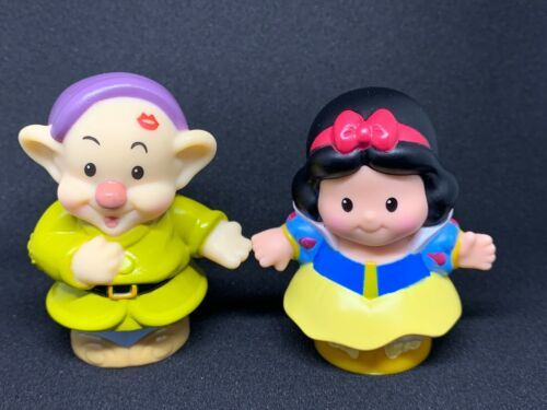Primary image for Fisher Price Little People Magic of Disney Snow White and Dopey Kiss Pre Owned