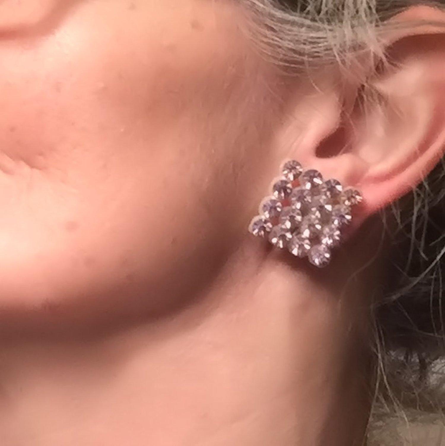 "Vintage 1950s Pale Pink Crystal Rhinestone 1"" Squares Retro Clip On Earrings"