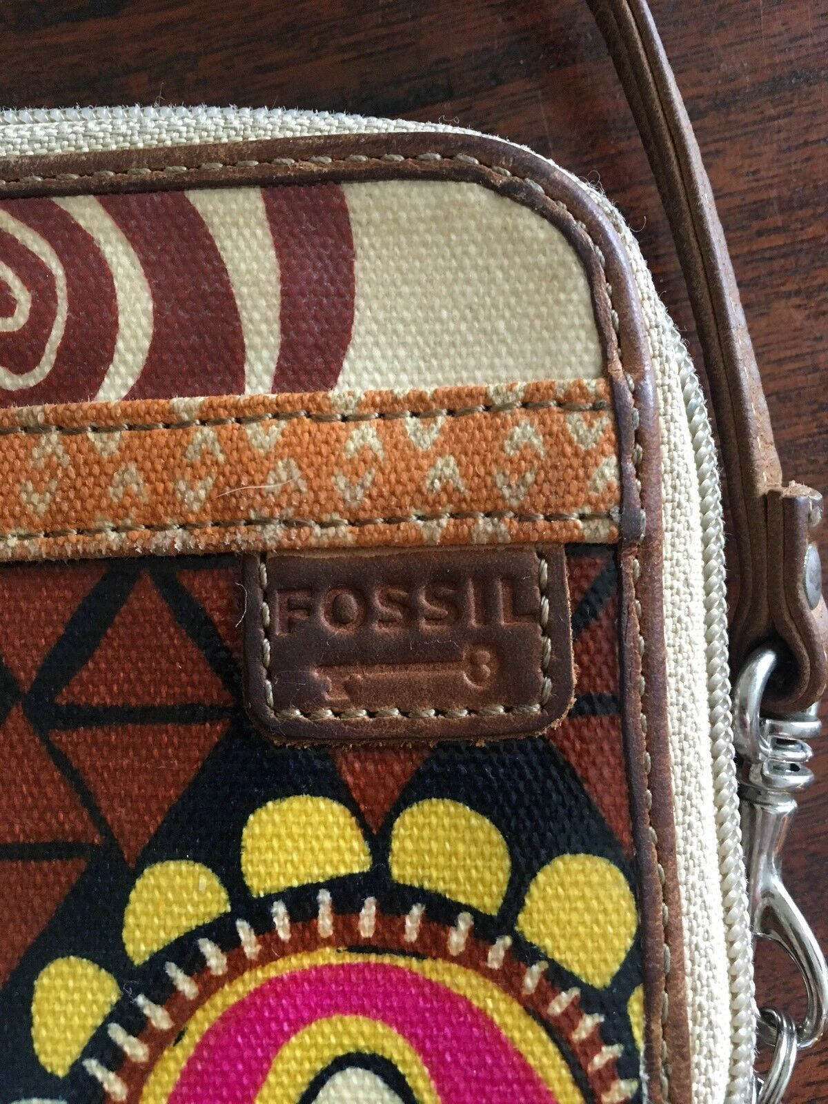 FOSSIL Key-Per Brown Floral Pattern Zip Around Coated Canvas Wallet 6x4 image 4