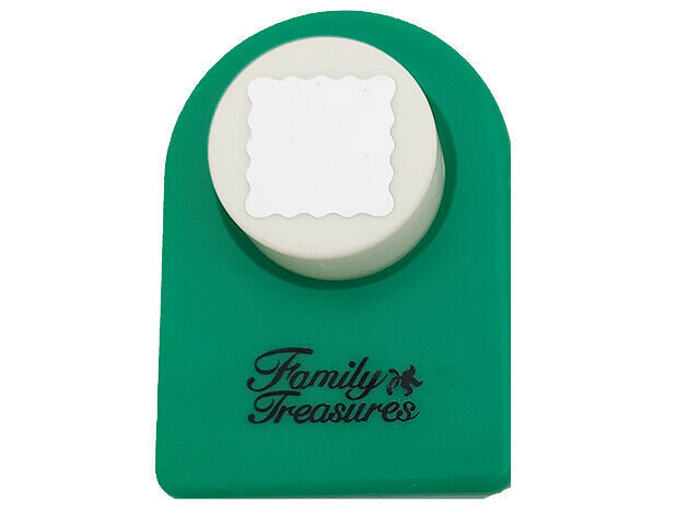 Family Treasures Scalloped Square Punch, 7/8 inch by 7/8 inch