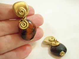 N.J. Matte Gold Plate Swirl Dangle Stone Shimmer Cinnamon Brown Clip Ear... - $14.80