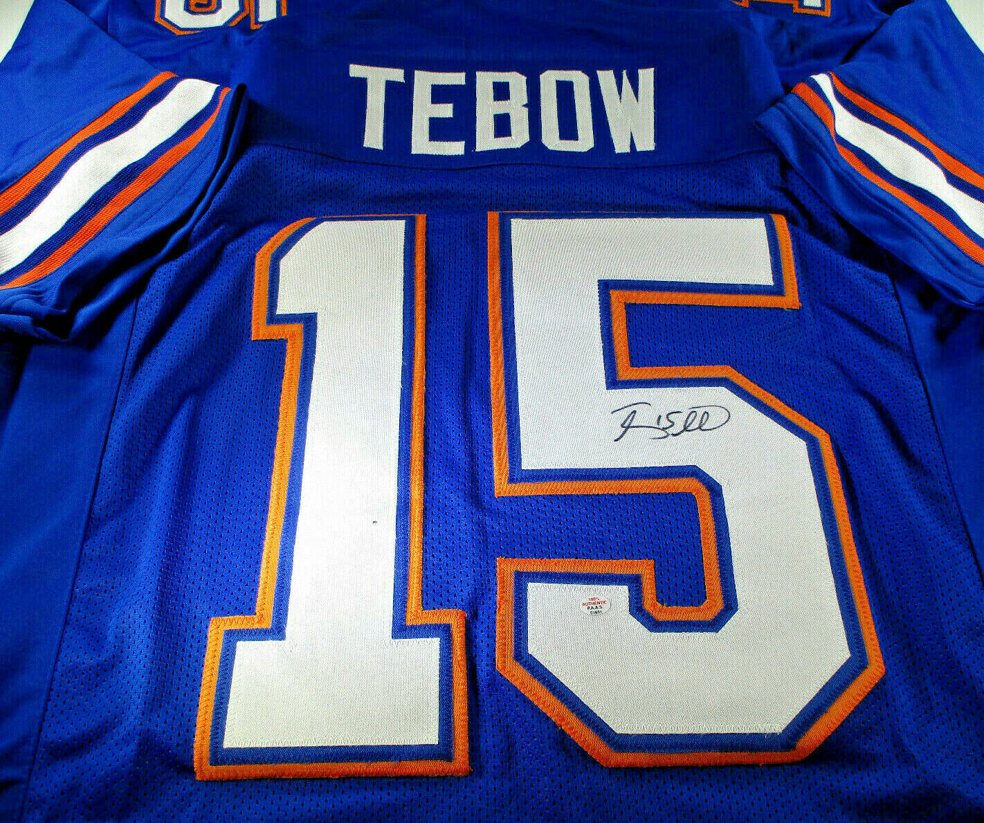 TIM TEBOW / HEISMAN WINNER / AUTOGRAPHED FLORIDA GATORS CUSTOM JERSEY / COA