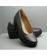 Clarks Wedge Heel SHOES Woman's 7.5 M Pewter Metallic Leather - $19.79