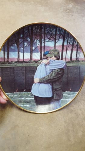 "Primary image for Vietnam Veterans Memorial""Heroes United"" plate by Dave Trautman, Limited Edition"
