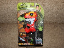 New Fingerlings Untamed Ripsaw T-Rex AG13 Batteries Included Free Shipping 3786 - $14.84