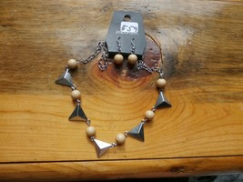 Paparazzi Long Necklace & Earring Set(New)Cream Beads W/ Silver Triangles 559 - $7.69