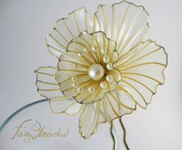 Pearl Narcissus Flower Hair Pin. Transparent  Kanzashi  Wedding Accessories - $82.00