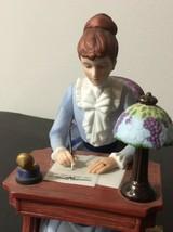 AVON Products, Inc - Albee Award -- 1985 President's Club Ceramic Figure - $18.00