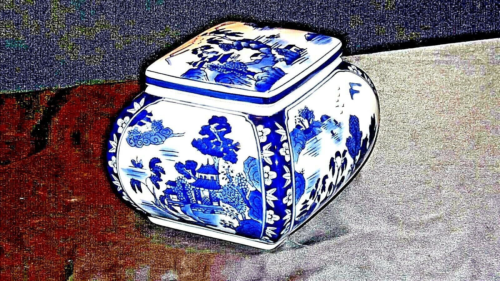 Soup Tureen Bowl with Lid AA19-1456 Vintage