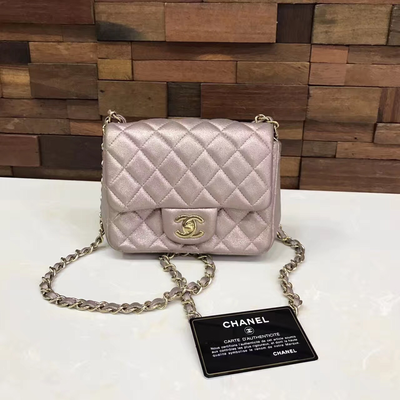 AUTHENTIC CHANEL PEARLY IRIDESCENT PINK QUILTED SQUARE MINI FLAP BAG LIGHT GHW