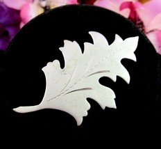 OAK LEAF PIN Vintage Brooch Silvertone Matte  Finish Shiny Etched Detail... - $12.99